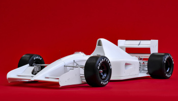 McLaren MP4/7 Fulldetail Kit 1/12 - Model Factory Hiro