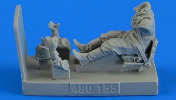 1/48 Soviet Woman Gunner WWII with seat for Po-2
