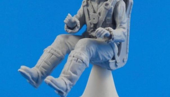 1/32 British Tempest Pilot sitting, for Special Ho