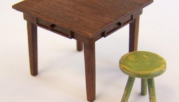 1/35 Table and molar