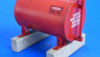 1/35 U.S.300 gallon fuel tank