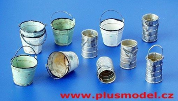 1/35 Metal buckets and cans