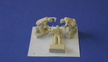 1/35 US Marines in Iraq-wounded soldier on stretch