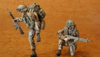 1/35 U.S. Airborne part III. (UH-60 crew) (2 fig.)