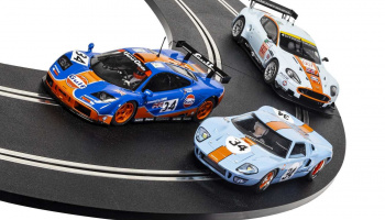 Autíčko Gulf SCALEXTRIC C4109A - ROFGO Collection Triple Pack (1:32)