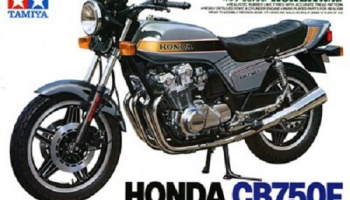 Honda CB 750F (1:12) Model Kit - Tamiya