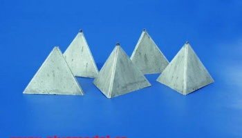 1/35 Anti-tank Concrete Barriers - Pyramid-style, Set I