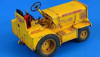 1/32 Minneapolis-Moline MT-40 Tow Tractor (USAF, U