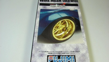 15-inch Wire Mesh Wheels Gold Wide Ver w/Tires - Fujimi