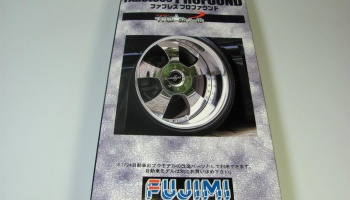 Fabulous Profound 18inch Wheel/Tire Set - Fujimi