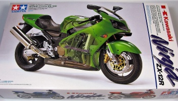 Kawasaki Ninja ZX-12R (1:12) Model Kit - Tamiya