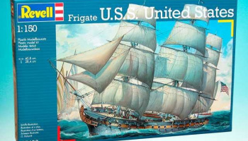 Fregate U.S.S. United States (1:150) Plastic Model Kit 05406 - Revell