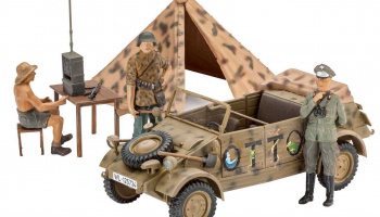 "Plastic ModelKit military 03253 - German Staff Car Type 82 ""Kübelwagen"" (1:35)"